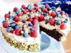 Browniekake med mascarponekrem og bær   Det søte liv