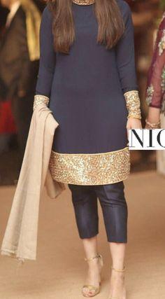 Beautiful Pakistani Dresses, Pakistani Dresses Casual, Shadi Dresses, Pakistani Dress Design, Formal Dresses, Pakistani Fashion Party Wear, Indian Fashion Dresses, Indian Designer Outfits, Hijab Fashion