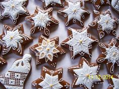 Christmas Goodies, Christmas Crafts, Gingerbread Frosting, Snowflake Cookies, Cookie Frosting, Dessert Decoration, Christmas Gingerbread, Royal Icing, Cake Cookies