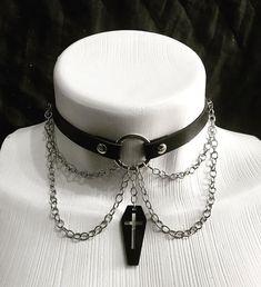 "Presto Store Art on Instagram: ""Mais um choker na loja!!! www.prestostoreart.com  #choker #chokers #chokerstyle #chokergothic  #dark #gothic #goth #gothicgirl #trevosa…"" Dark Gothic, Art Store, Gothic Girls, Chokers, Instagram, Black, Goth Girls, Black People, Choker Necklaces"