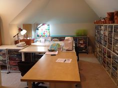 Happy Appliquer: I'm Sewing Again - My Temporary Sewing Space