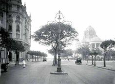 Avenida Rio Branco, em São Paulo (SP), no ano de 1921. Fonte: Acervo da Light. Rio Photos, Vale Do Anhangabaú, Fotos Do Rio, Avenida, Terra Brasilis, Brazil, Most Beautiful Cities, Belle Epoque, Tempo