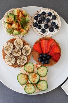 Healthy Snack: 5 Delicious Ways to Eat Rice Cakes Healthy Snacks, Healthy Eating, Healthy Recipes, Rice Cakes Healthy, Diet Recipes, Healthy Things To Eat, Healthy Girls, Easy Snacks, Vegetarian Recipes
