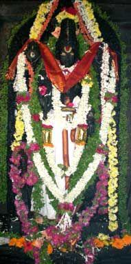 Honnavara Channakeshava Temple, our temples, ourtemples.in, Karnataka ಹಾಸನ ತಾಲೂಕು ದುದ್ದ ಹೋಬಳಿಯ ಹೊನ್ನಾವರ, ಗ್ರಾಮ ಪಂಚಾಯ್ತಿಯ ಕೇಂದ್ರ. ಹಾಸನದಿಂದ 20 ಕಿಲೋ ಮೀಟರ್ ದೂರದಲ್ಲಿರುವ ಈ ಪುಟ್ಟ ಗ್ರಾಮದಲ್ಲಿ 860 ವರ್ಷಗಳ ಸುದೀರ್ಘ ಇತಿಹಾಸ ಇರುವ ಭವ್ಯವಾದ ಶ್ರೀಪ್ರಸನ್ನಚೆನ್ನಕೇಶವ ದೇವಾಲಯವಿದೆ.
