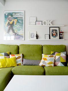 LALOLE BLOG y ese sofa verde ayyyy oma que lindo