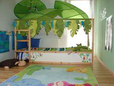 IKEA Bett KURA Spielbett Halbhohes Bett mit Haba Deko wunderschön