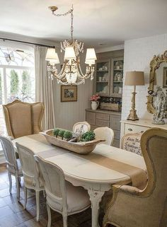 Lasting French Country Dining Room Ideas (39) #frenchdecoratingideas