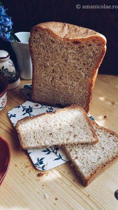 reteta paine pentru masina de paine Cata, Food And Drink, Yummy Food, Cooking, Breads, Pizza, Canning, Kitchen, Bread Rolls