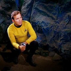 Strange planet... Here, all the rocks are made of a cheap crumpled canvas. The geologists of Earth would get crazy || star trek, kirk