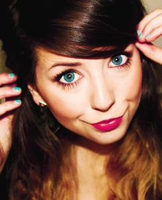 love her hair/lipstick/nails Zoella Makeup, Zoella Beauty, Hair Makeup, Hair Beauty, Joe And Zoe Sugg, Blonde Ends, Makeup Aisle, Beautiful People, Most Beautiful