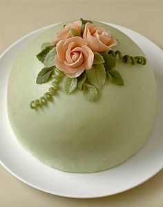 The Unexpected Culinarian: A Cake Fit for a Princess (Swedish Princess Torte) Princess Torte, Princess Wedding Cakes, Tea Party Desserts, Wedding Cake Cookies, Green Cake, Torte Cake, Gourmet Cupcakes, Pastry Art, British Baking