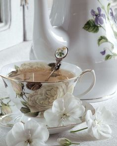 Love the neutral palette of the cup/saucer and OMG that spoon I must have! Coffee Time, Tea Time, Coffee Set, Morning Coffee, Tea Cup Saucer, Tea Cups, 5 O Clock Tea, Café Chocolate, Cuppa Tea