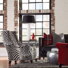 The variety, versatility and quality of @HuntingtonHouseFurniture is unmistakeable and the reasons we are proud to offer their furniture lines in all our showrooms in Agoura Hills California, Portland Oregon & Las Vegas Nevada. 100's of upholstery options too! #interiordesign #decorating #furniture #sofa #chair #sectional @nwrugs nwrugs.com