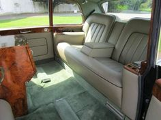 Chassis PRH4658 (1971) Limousine by Mulliner Park Ward