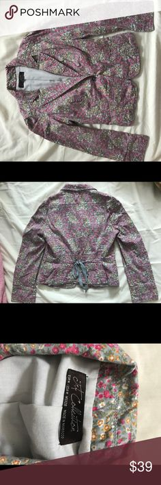 Jacket Woman Size USA M make in Morocco. Beautiful design flowers I very love it but to small for me. No smoke free No animal. Jackets & Coats