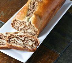 Povitica - a beautiful cinnamon swirled sweet bread. I never thought of doing it with apple- great allergy free option! Strudel, Cannoli, Sauerkraut, No Bake Desserts, Dessert Recipes, Dessert Bread, Brunch Recipes, Beignets, Cinnamon Swirl Bread
