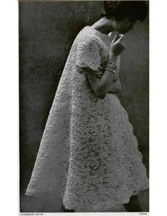 "1958 Catherine Sauve evening coat - not a ""dress"" but vintage and quite lovely for evening apparel Moda Fashion, 1950s Fashion, Vintage Fashion, Club Fashion, Moda Vintage, Vintage Love, Couture Christian Dior, Vintage Dresses, Vintage Outfits"