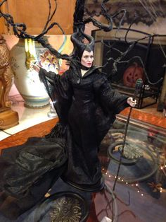 THE STUDIO COMMISSARY: My sister and I spent a great day with dear friends.>>PiCS  -   Posted by SuzanneMcD on October 25, 2015, 1:34 pm.   Their home was beautifully decorated for Halloween!  (13 PICS)