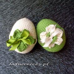 pl: Szydełkowe jaja - c. Thread Crochet, Crochet Toys, Crochet Stitches, Knit Crochet, Easter Projects, Easter Crafts, Easter Crochet Patterns, Holiday Crochet, Crochet Snowflakes