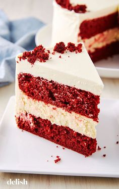 Why make plain red velvet cake when you could add CHEESECAKE to it? Get the reci… - Red Velvet Cake Köstliche Desserts, Holiday Baking, Christmas Desserts, Dessert Recipes, Health Desserts, Christmas Cakes, Strawberry Desserts, Christmas Baking, Merry Christmas
