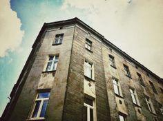 #Bytom, ul. Wałowa 4 #townhouse #kamienice #slkamienice #silesia #śląsk #properties #investing #nieruchomości #mieszkania Multi Story Building