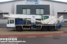Used telescopic crane available at Pfeifer Heavy Machinery. Item Number PHM-Id 07488, manufacturer GROVE, model TMS635BE, year of construction 1997, kilometers 80995, hours 21146, loading (lifting) capacity (kg) 30000, boom length maximum (m) 32, fuel Diesel. More cranes at www.pfeifermachinery.com.