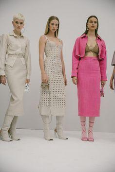 Modern Fashion, High Fashion, Fashion Design, Models Backstage, Fancy Nancy, Runway Models, Fashion Prints, Editorial Fashion, Runway Fashion