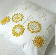 Watch This Video Beauteous Finished Make Crochet Look Like Knitting (the Waistcoat Stitch) Ideas. Amazing Make Crochet Look Like Knitting (the Waistcoat Stitch) Ideas. Crochet Cushion Cover, Crochet Cushions, Sewing Pillows, Crochet Pillow, Diy Pillows, Crochet Motif, Crochet Designs, Crochet Doilies, Crochet Flowers