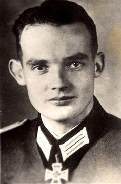 Lt. Hans-Hermann Sassenberg. Zugf. en 2./Pz.Aufkl.Abt. 13. RK. 23.10.1941. + 25.10.1943 en el sur de Rusia.