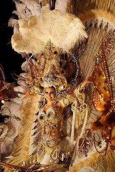 Vestimenta del carnaval de Tenerife