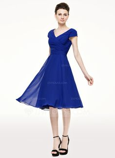 A-Line/Princess V-neck Knee-Length Chiffon Mother of the Bride Dress With Ruffle (008062536)