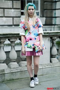 That metallic pink I wore as a child and floral: What a dream of the 80s! Alive in London!
