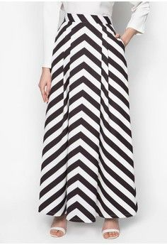 Chevron Print Skirt from Zalia in black and white_1
