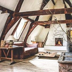 Tour Belgium designer, curator and antiquarian Axel Vervoordt's exquisite family castle on the outskirts of Antwerp. In the July/August issue of Vogue Living