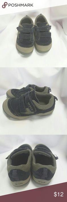 Crocs shoes size J1 Crocs tennis shoes size J1 with velcro fasteners CROCS Shoes Sneakers