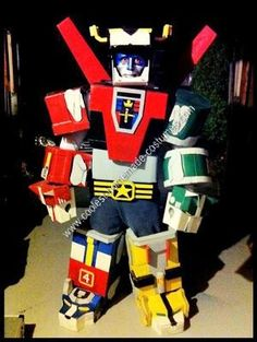 Homemade Voltron Anime Costumes: Defender of the Universe Halloween Costume: This homemade costume was truly a labour of love. Love for Halloween & love for the baddest Defender of the Universe! Homemade Costumes, Diy Costumes, Halloween Costumes, Voltron Costume, Anime Costumes, Power Rangers, Cool Stuff, Universe, Fun