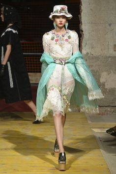 a75154115b39 Gucci Spring Summer 2019 Resort show report