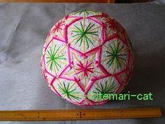 絹てまり「桃の花」白地、ピンクの花 手まり、手毬、手鞠