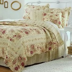 Cottage Romantic Quilt Set with Shams Floral Roses Print Pattern Cream Yellow Luxury 100 Cotton Reversible 3 Piece Bedding Double Full Queen Size