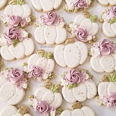 Cookies Cupcake, Pumpkin Sugar Cookies, Cupcakes, Galletas Cookies, Cookie Frosting, Iced Cookies, Royal Icing Cookies, Birthday Cookies, Cookies Et Biscuits