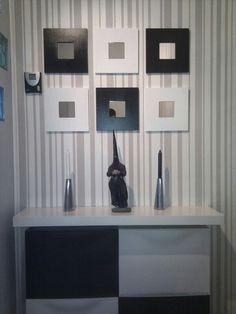 Minihall hecho con muebles de ikea Trones, Lack y Malma