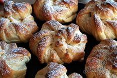 Sladké věnečky z kynutého těsta   NejRecept.cz French Toast, Muffin, Breakfast, Food, Morning Coffee, Muffins, Meal, Essen, Hoods
