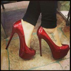 Shiny Red stilleto's
