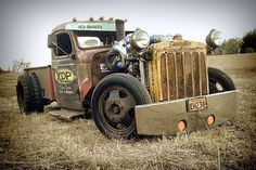 Hot Rods and Pin Ups. A huge collection of thousands of images of hotrods, hot rodding, drags, gassers, etc. From the most important early days to modern kustoms and street rods. Rat Rod Trucks, Rat Rods, Cool Trucks, Big Trucks, Pickup Trucks, Cool Cars, Truck Drivers, Chevy Trucks, Dually Trucks