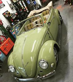 Volkswagen brought to you by at in Eugene Vw Coccinelle Cabriolet, Cabrio Vw, Carros Retro, Vw Beetle Convertible, Kdf Wagen, Vw Classic, Vw Vintage, Volkswagen Karmann Ghia, Classy Cars