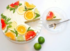 Citrus Cake with Lemon Curd Filling & Lemon & Orange Icing . Beautiful styling with the citrus slices! Gorgeous Cakes, Pretty Cakes, Amazing Cakes, Think Food, Love Food, Köstliche Desserts, Dessert Recipes, Cake Recipes, Citron Cake