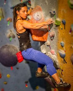 This site is a community effort to recognize the hard work of female athletes, fitness models, and bodybuilders. Climbing Girl, Sport Climbing, Rock Climbing Gear, Sport Videos, Indoor Climbing, Mountain Climbing, Boulder Climbing, Muscle Girls, Extreme Sports