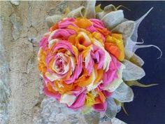 Hot pink, orange and white rose glamelia via Creavea.