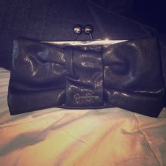 Jessica Simpson clutch Beautiful woman's clutch - used only once 10/10 condition Jessica Simpson Bags Clutches & Wristlets