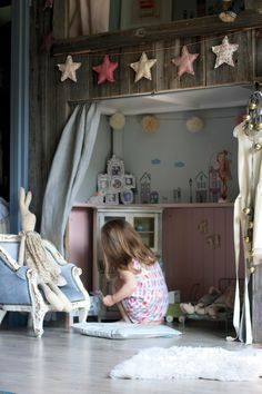 Vivi & Oli-Baby Fashion Life: Vintage sideboard